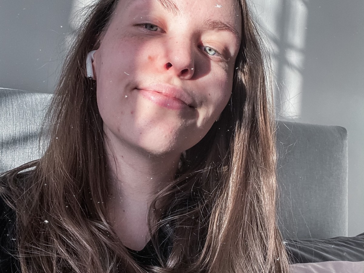 selfie of Niamh at golden hour